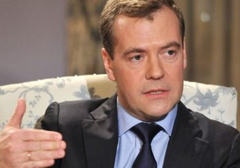 Medvedev: Amerikanci zvali na borbu protiv ID,a rade suprotno