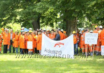 Radnici Mittala u parku i pred skupštinom zbog prodaje Ljubije