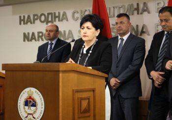 BiH ne može u EU sa problemom izbjeglih i raseljenih