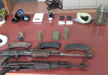 Laktaši: Pronađeno kilogram droge, oružje, eksploziv i municija