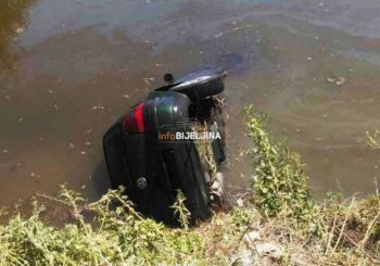 Automobil sletio u kanal, ronioci traže tijela