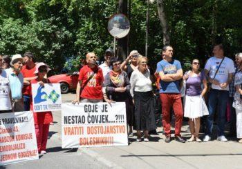 Građani FBiH mirnim protestima traže liječenje dostojno čovjeka