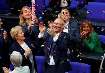 Njemačka legalizovala gej brakove, Merkelova protiv
