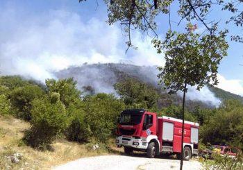 Trebinje: Kilometarski požar u nekoliko sela