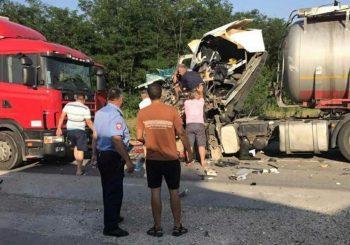 Doboj: Četiri lica povrijeđena u sudaru tri vozila