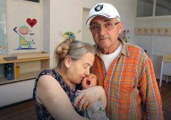 Postala majka u 60. godini, ali pri povratku kući dočekalo ju je razočaranje