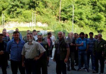 """Čajniče: Protest radnika Šumskog gazdinstva """"Vučevica"""", spriječena smjena direktora"""