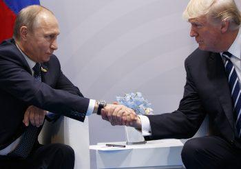 """""""Ne čestitati Putinu"""": Iscurila bilješka Trampovih savjetnika koju je on ignorisao"""
