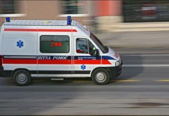 KOZARSKA DUBICA: U teškoj saobraćajnoj nesreći jedna osoba poginula, četiri povrijeđene