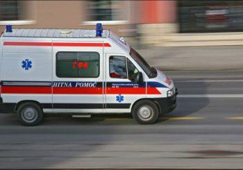 U nesreći u Banjaluci troje povrijeđenih, djevojka (17) na aparatu za disanje