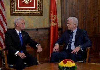 Gaf crnogorskog premijera: Umesto u Hilton, Pensa pozvao u Klinton