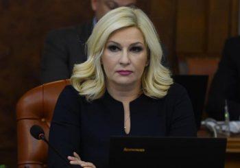 ZORANA MIHAJLOVIĆ Pažljivo gledam šta radi Šešelj, on sprema neko zlo Vučiću