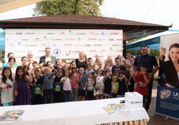 Učenicima iz višečlanih porodica školski pribor vrijednosti 7.500 KM