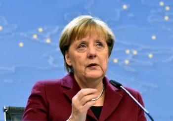 Merkelova zdrava, ali radi od kuće