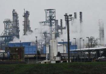ZBOG POŽARA U OKTOBRU Polovina zaposlenih u Rafineriji Brod od Nove godine na čekanju?