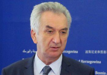 """CIK provjerava da li je Šarovićevo ministarstvo poslovalo sa """"Mujanovićima"""""""