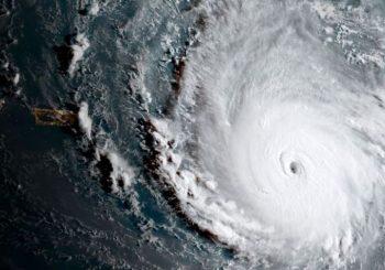 Uragan Irma dostiže brzinu i do 300 kilometara na sat