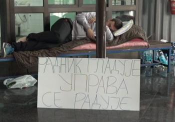 Vlada RS: Željezničari koji štrajkuju glađu neće plaćati medicinske usluge