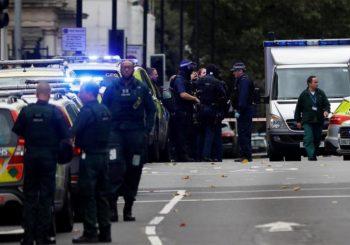 London: Autom skrenuo na trotoar, povrijeđeno nekoliko pješaka