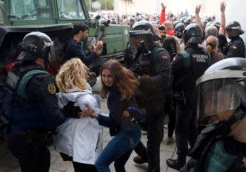 Specijalci pokušavaju zaustaviti glasanje na katalonskom referendumu