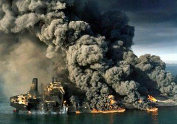"Potonuo iranski tanker ""Sanči"""
