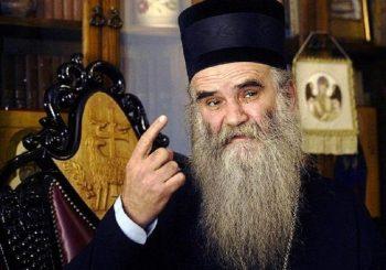 Vrh SNS-a burno reagovao na izjavu mitropolita Amfilohija da Vučićeva politika vodi u izdaju
