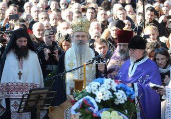 """Sahranjen Oliver Ivanović: """"Tamo gde ti ideš, tamo je vera i istina za koju si se borio i poginuo"""""""