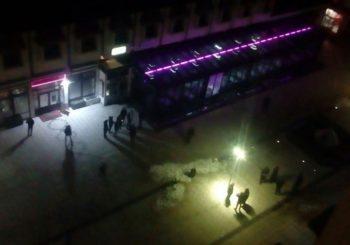 U eksploziji u Banovićima lakše povrijeđen mladić, policija traga za napadačem