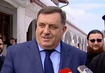 Dodik i RTL u duelu u Karlovcu: Ja kad se pojavim, dovoljan sam za strah, ne treba meni puška