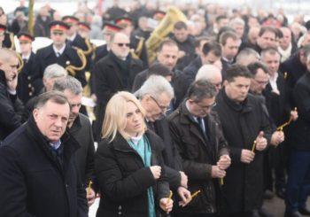 Održan parastos žrtvama ustaškog pokolja, Dodik pozvao Hrvatsku da prizna genocid nad Srbima