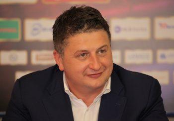 POZNATI BANKAR ULAZI U POLITIKU Milan Radović uskoro pristupa DNS-u?