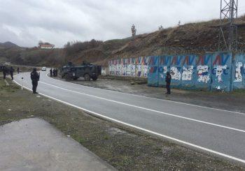 Raste napetost: Albanci sprečili zvaničnike Srbije da uđu na Kosovo, Srbi se okupljaju