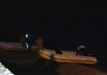 Prevrnuo se čamac sa tri osobe, dječak nestao u Uni, intenzivno se traga za njim