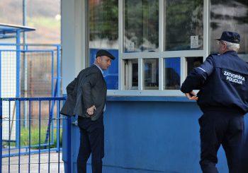 CG: Opozicionar Milan Knežević otišao u zatvor, poručio Milu da će mu čuvati krevet