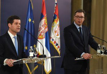 Vučić nakon susreta s Mičelom: Vojska Kosova bez uporišta u međunarodnom pravu