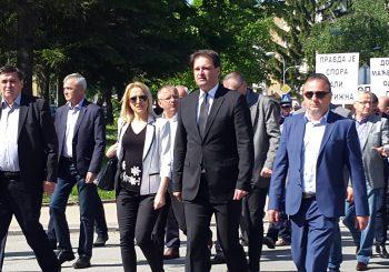 PROTESTNA ŠETNJA: SDS u Doboju obilježio godišnjicu smrti Branislava Garića