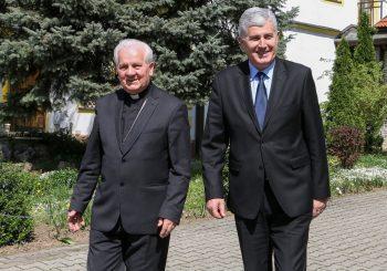 BISKUP OPLEO I PO SUNARODNIKU Za Komaricu, Čović je samo hercegovački lider