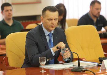 LUKAČ PRED ANKETNIM ODBOROM Ministar se prepirao sa Radovanovićem