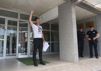 DAVOR DRAGIČEVIĆ U TUŽILAŠTVU Podnio simboličnih 100 prijava, najavio još 50.000