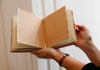 ZAHVALJUJUĆI TEHNOLOGIJI Otkrivene dvije skrivene stranice dnevnika Ane Frank