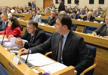 GOVEDARICA Za SDS neprihvatljivo da se pola budžetskih prihoda troši na dugove