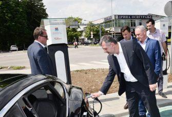 RADOJIČIĆ PUSTIO TERMINAL U RAD U funkciji punjači za električne automobile