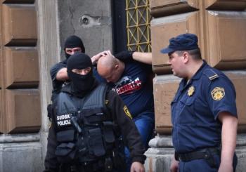 PORODICE I GRAĐANI NAJAVLJUJU PROTESTE Opet odgođeno suđenje Sanjinu Sefiću