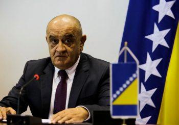 BEVANDA Mektić žurio u TV emisiju, pa izmislio odluku Savjeta ministara o migrantima