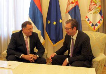 """DODIK SA VUČIĆEM: Samo jaki lideri mogu da kažu """"ne"""" planu Zapada za Kosovo"""