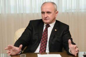 """ĐOKIĆ: Dobili smo garancije ruskog vrha da se """"Zarubežnjeft"""" neće povući iz Rafinerije nafte u Brodu"""