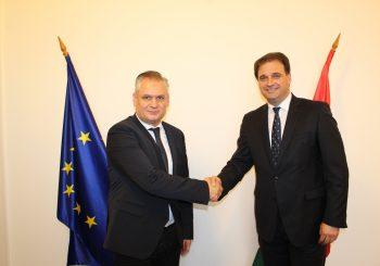 GOVEDARICA Stranka Viktora Orbana SDS-u otvara vrata za saradnju