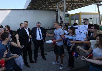 PERFORMANSI Ministar i direktor Puteva RS ozvaničili rušenje naplatnih kućica, Stanivuković presjekao svečanu vrpcu