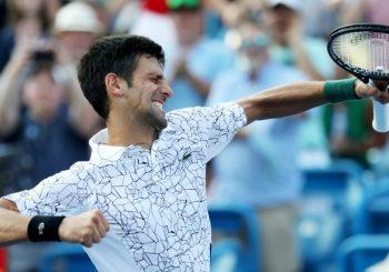 ISTORIJA Đoković pobjedom nad Federerom do Zlatnog Mastersa