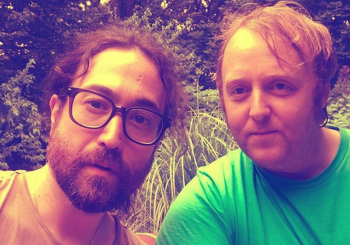 SINOVI SE DRUŽE Lenon i Makartni na selfiju, fanovi oduševljeni, očekuju saradnju